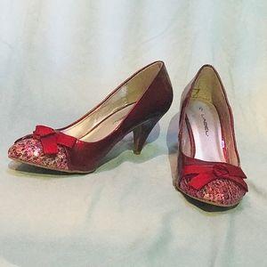 NEVER WORN SIZE 8 Red Sequin Kitten Heels